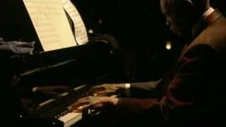 Hank Jones - Round Midnight