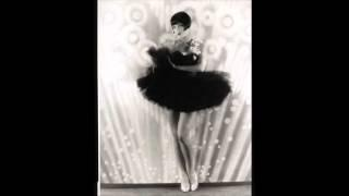 Ain't She Sweet - Lou Gold&His Orchestra (w Scrappy Lambert) (1927)
