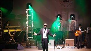 Darey performing at Calabar International Jazz Festival 2013