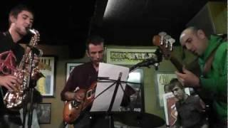 JAM SESSION JAZZ FILLOA - The Chicken (A Coruña, jazz Filloa 25.5.11) [HD]