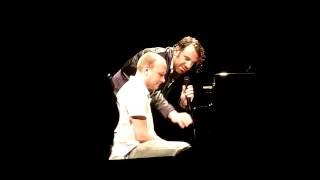 A piano lesson with Chilly Gonzales @ Salle Pleyel (Paris)