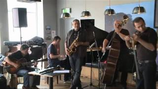 Gilad Atzmon jamming @ Source Cafe, sligo