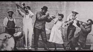 Sobbin' Blues -  King Oliver's Creole Jazz Band